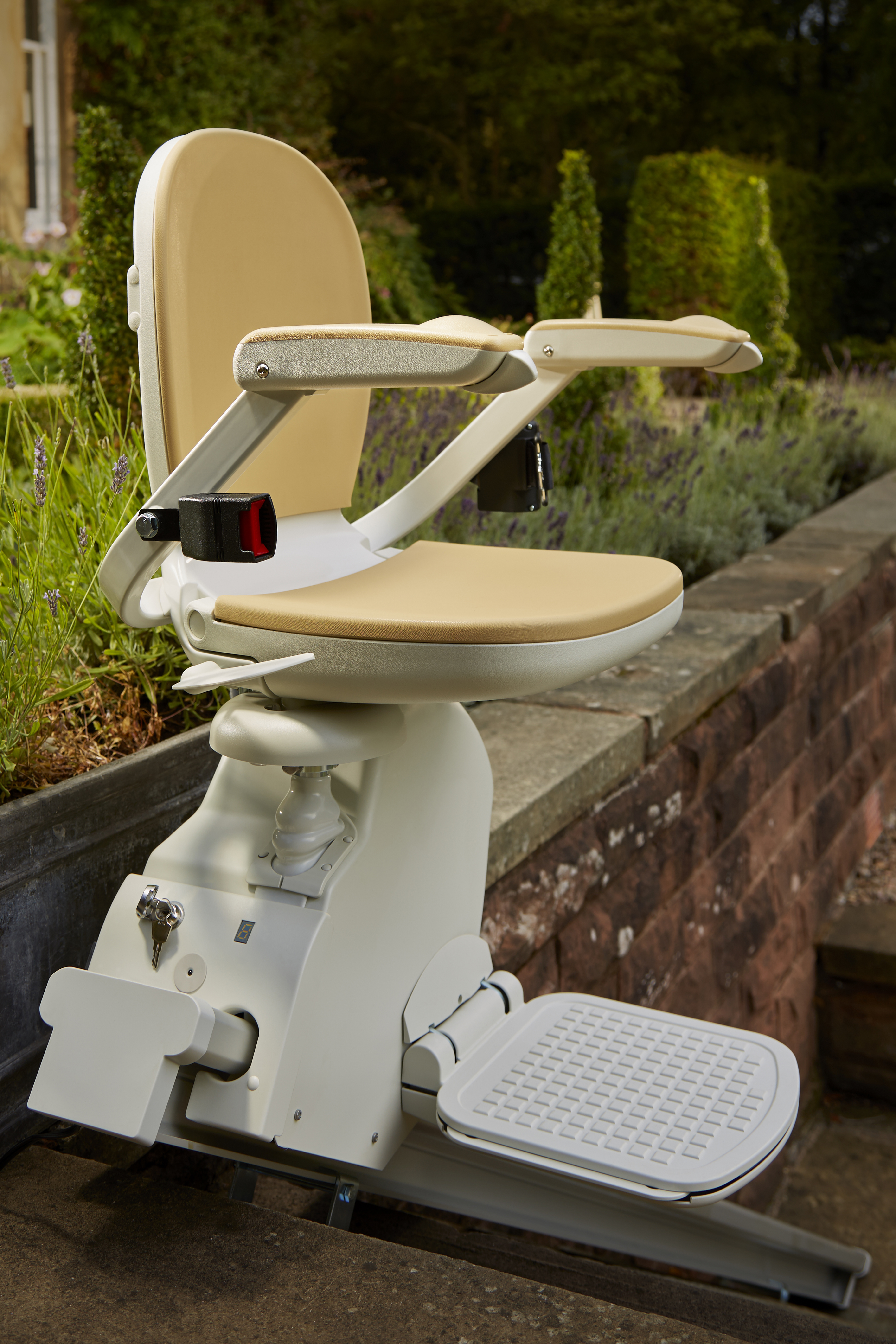 Acorn 130 Outdoor Stairlift Mobility For You